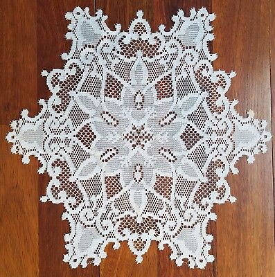 Heritage Lace 12 inch round white Snowflake Dolly