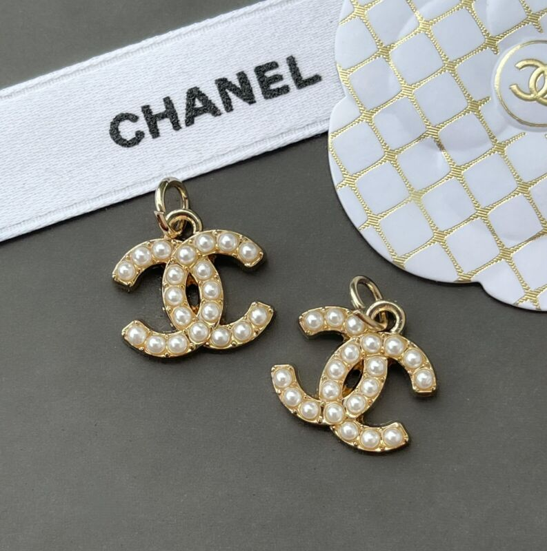 Chanel Stamped Designer Gold Pearl Zipper Pull Charm, 19 mm