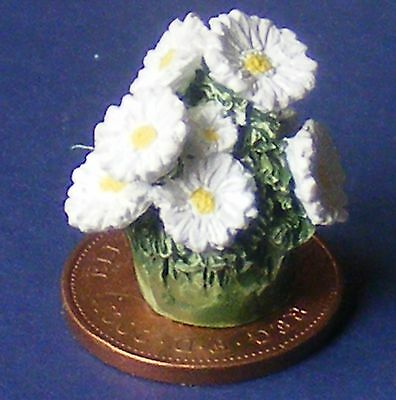 1:12 Bunch Of White Ceramic Flowers For Jardiniere Dolls House Garden Accessory