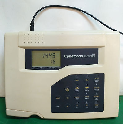 10652 Eutech Instruments Bench Phion Meter Cyberscan 2500ph
