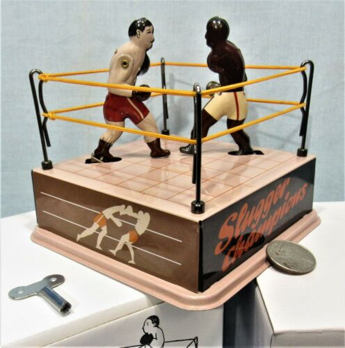 Mechanical Boxing Ring ~ Tin Litho Key Wind-Up ~ 2 Boxers Fighting