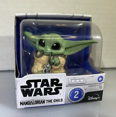The Mandalorian The Bounty Collection Series 2 #10 Necklace Child Yoda Star Wars