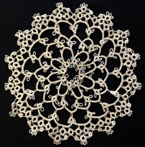 """Vintage Collectible Off-white Tatting Lace Doily  Hand Made 5 1/2"""" Diameter"""