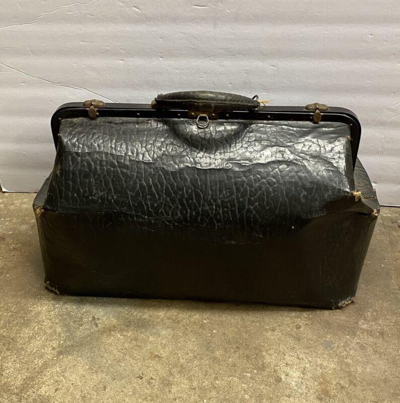 Vintage Early 1900s Original Alligator Skin Large Doctors Style Carrying Bag