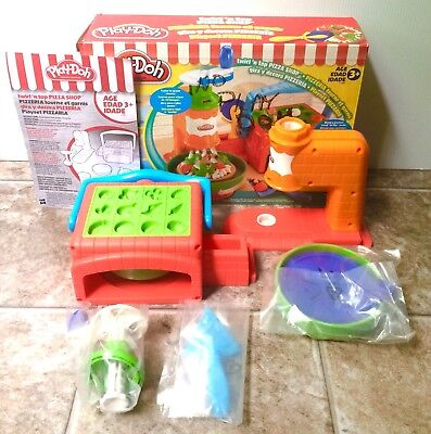 Play Doh Twirl 'n Top Pizza Shop Complete In Box Contents Sealed