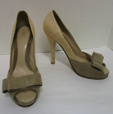 FENDI tan suede & straw peep-toe hidden platform bow pumps sz 10