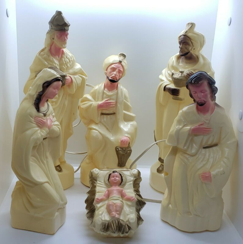 Vintage Blow Mold Nativity Set Baby Jesus Wise Men Mary Table Top Size
