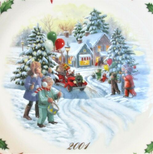 """Lenox 2001 The Annual Holiday Collector Plate 11"""" Santa Parade 11th In Series"""