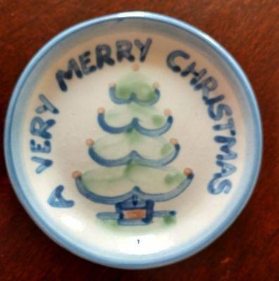 "M.A. HADLEY A VERY MERRY CHRISTMAS w/TREE Ceramic Coaster Dish Saucer  4 1/8"""