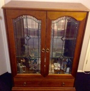 2 Door-1 Draw Lead Light China Cabinet Bullaburra Blue Mountains Preview