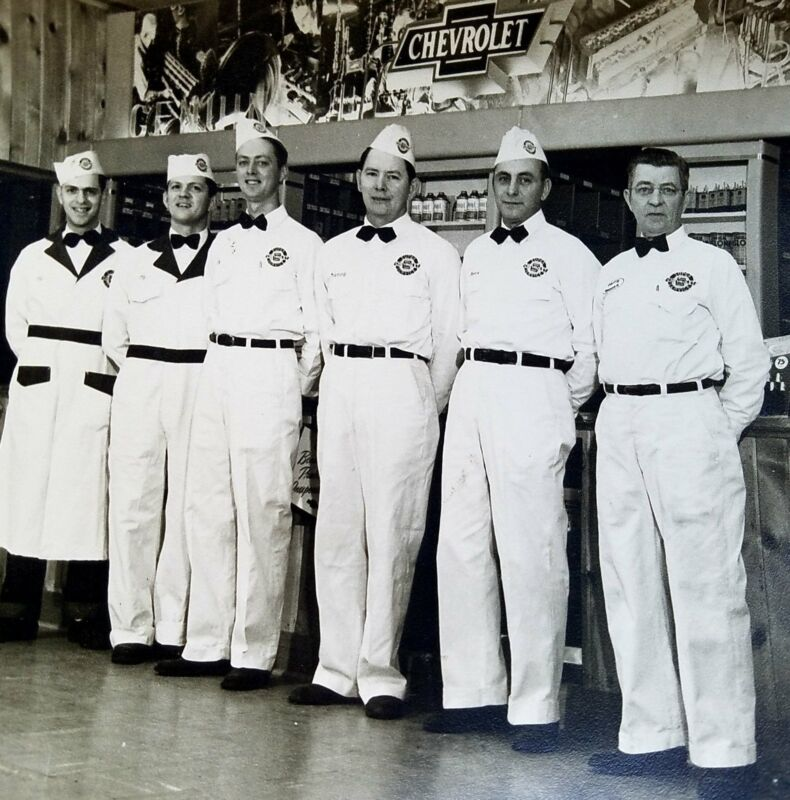 1950 ORIGINAL Downey Chevrolet Dealership  Interior with Named Employees  8x10