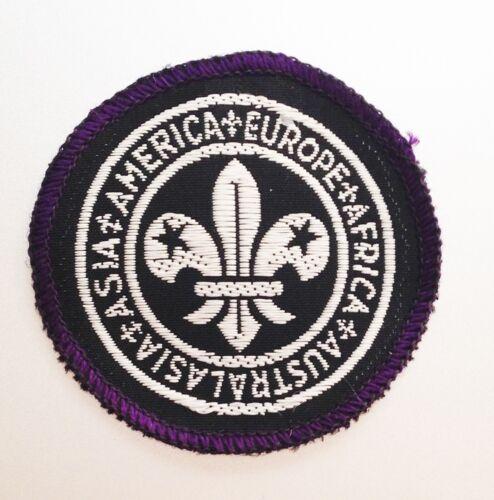 World Bureau/Committee badge 1946-1970 1 Round badge only