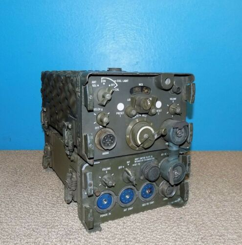 US Army RT-70/GRC Radio Receiver Transmitter w/ AM-65/GRC Amplifier Free Ship