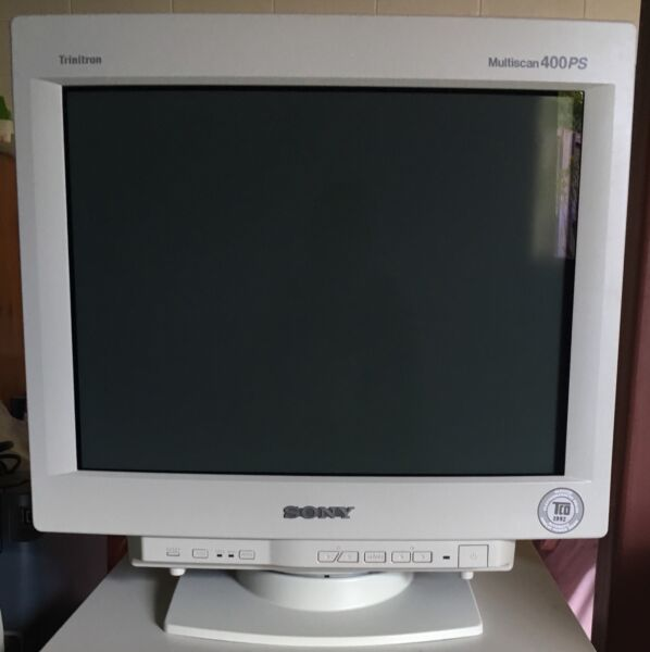Sony trinitron gdm 400ps computer monitor monitors gumtree 1 of 6 sciox Image collections