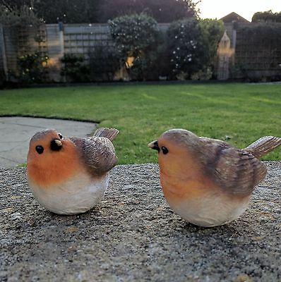Pair of Sitting Robin Bird Ornament Vintage Garden Style Gift Home