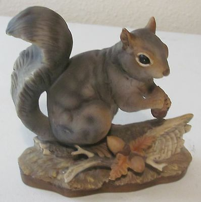 Vintage Homco Masterpiece Porcelain Squirrel With Acorn Figurine 1982
