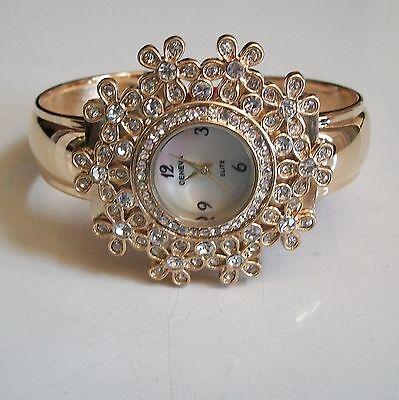 Designer style  flower  gold finish Geneva bangle woman fashion bling watch