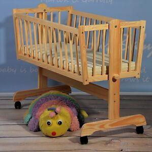 berceau b b couchette avec roues bois massif sans polluant neuf offre sp ciale ebay. Black Bedroom Furniture Sets. Home Design Ideas