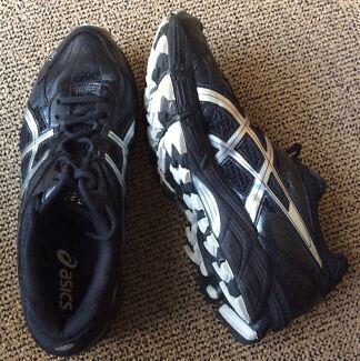 Asics Gel Men's Shoes - Size 8.5US
