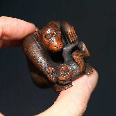 Antique Japanese carved boxwood netsuke of Monkeys, Meiji, 19th century, SUPERB.