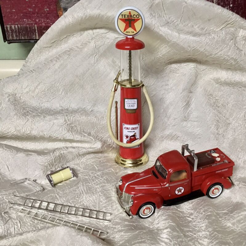 TEXACO FIRE CHIEF VISIBLE GAS PUMP & TEXACO FORD FIRE TRUCK SMALL COLLECTIBLES