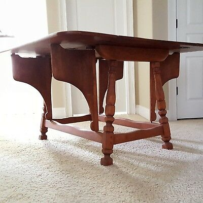 CUSHMAN COLONIAL Butterfly Drop Leaf Solid Maple Table. Rare Unique Great Color! Butterfly Leaf Table