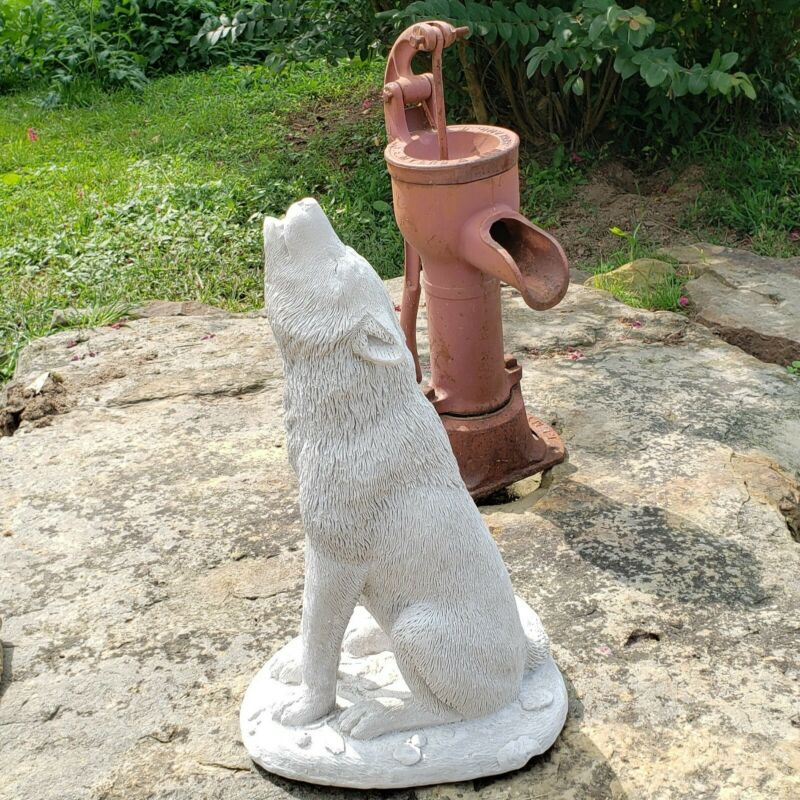 """Large Ceramic Howling Wolf Statue Yard Ornament Figure 17.5"""" Tall Nice Detail"""