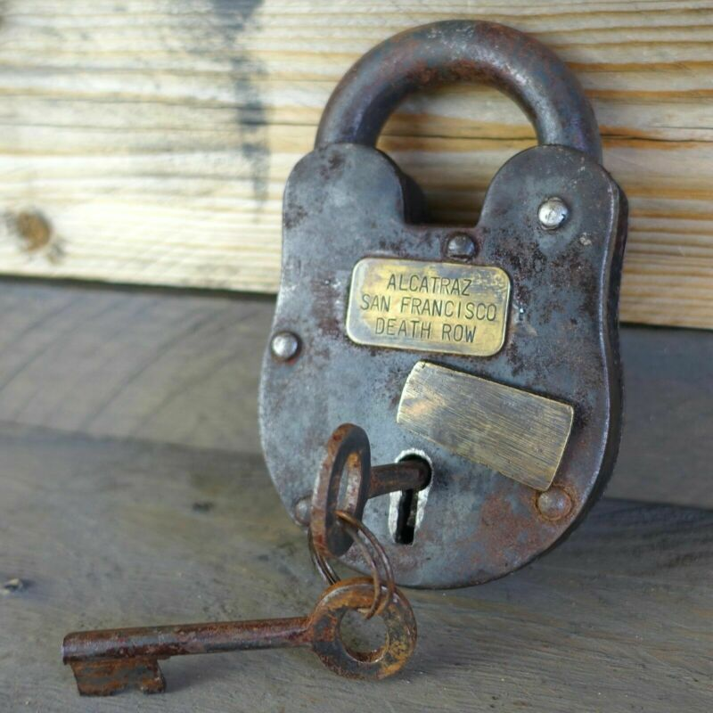 "Alcatraz San Francisco Death Row 3"" x 5"" Cast Iron Lock & Keys, Antique Finish"