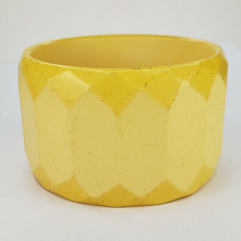 Vintage Carved Faceted Yellow Butterscotch Bakelite Bangle Bracelet