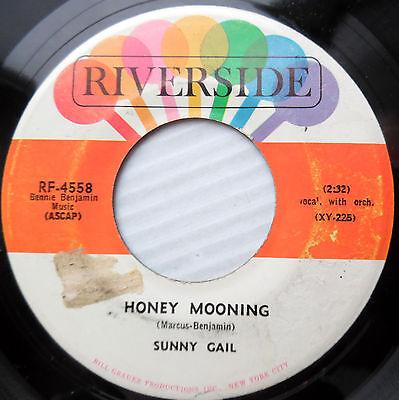 Sunny Gail Gale Girl Group Popcorn  45  Honey Mooning B W I Know I Know    F1977