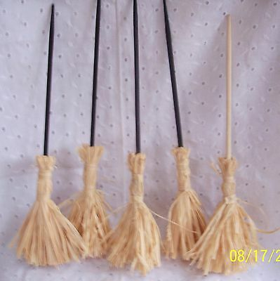 DOLL HOUSE STRAW BROOM- BLACK OR WOOD COLOR 14