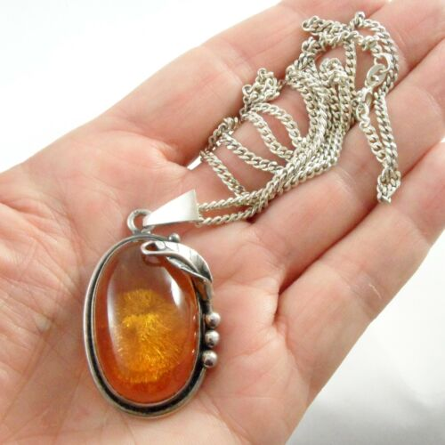 STUNNING VINTAGE STERLING SILVER & BALTIC AMBER PENDANT NECKLACE 23 INCH CHAIN
