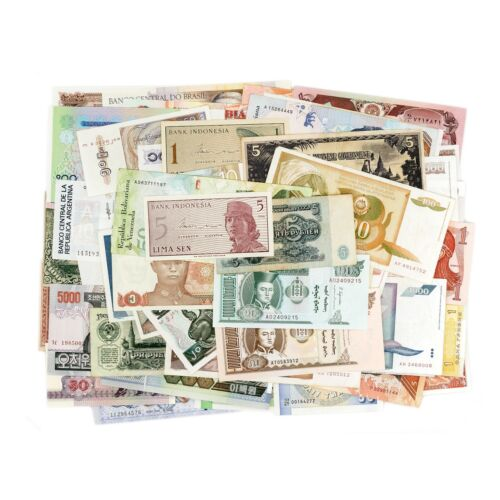 Lot of 100 diff. world foreign banknotes incredible longtime value most Unc.