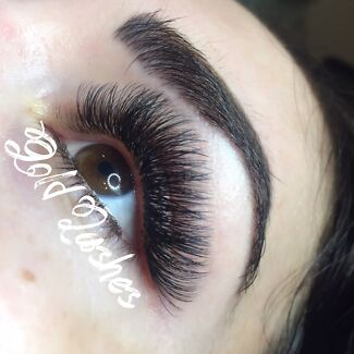 Beautiful eyelash extensions for sunny days ☀️☀️