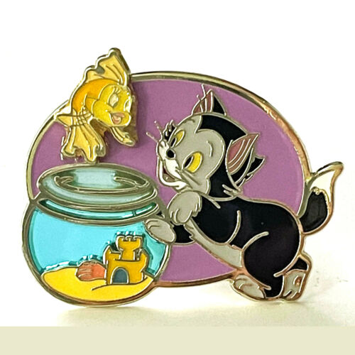 Disney Lapel Pin Figaro Cat and Cleo Fish from Pinocchio Limited Release 2020