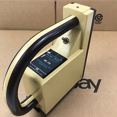 Blak-ray Ml-49 Longwave Ultraviolet Lamp Solid State Battery Operated 1.a5