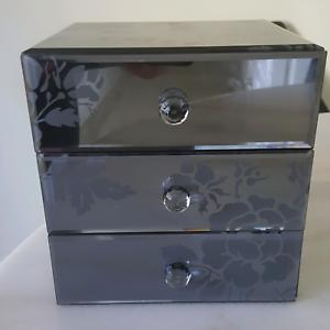 mirrored glass jewellery box for sale accessories gumtree australia brisbane north east. Black Bedroom Furniture Sets. Home Design Ideas