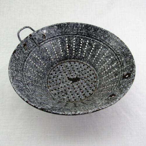 """antique Enamelware Colander heavy speckled 11 1/2"""" vintage graniteware mottled"""