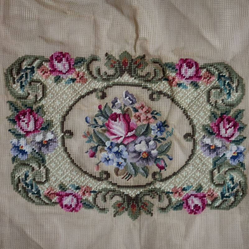 """Preworked Woolen Needlepoint Tapestry Panel 80399 - Floral Roses Design 13"""" x 9"""""""