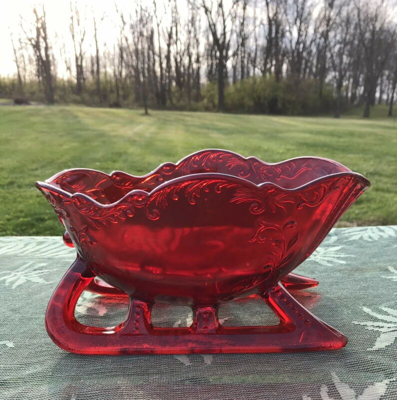 MOSSER RED GLASS CHRISTMAS SLEIGH CANDY DISH FOR HOLIDAY DECOR