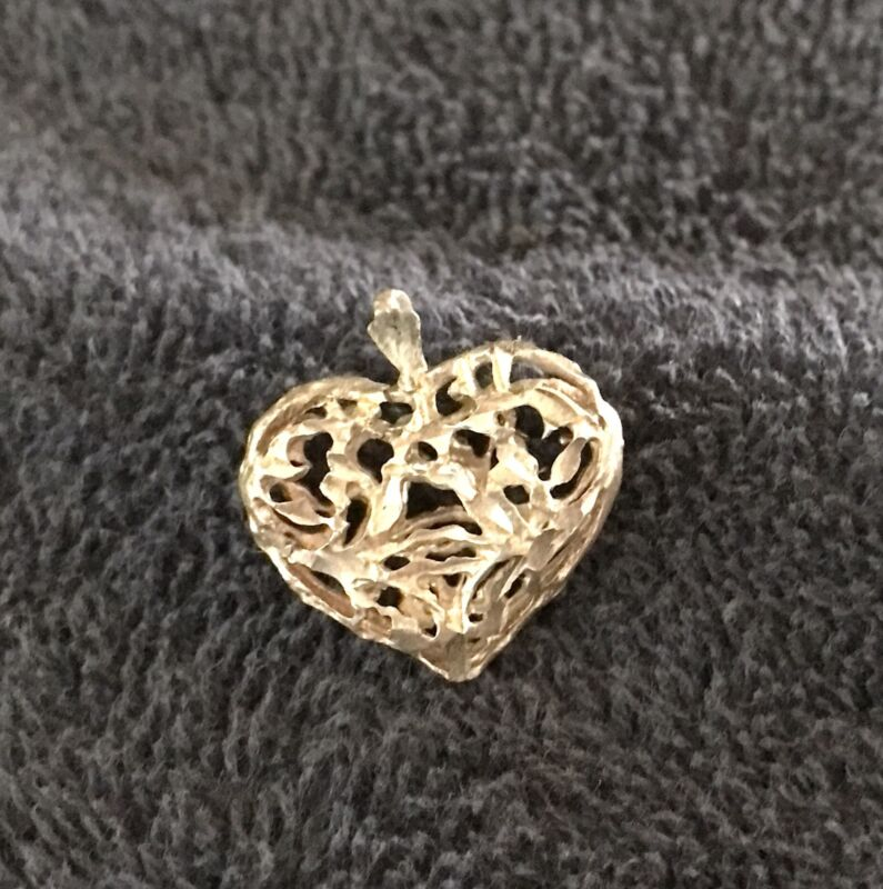Sterling Silver ~2 grams 3-D Lacey Heart Pendant - Puffy