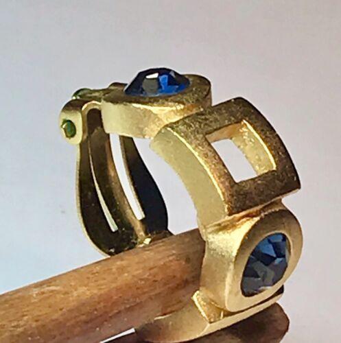 Karl lagerfeld paire de boucle d'oreilles orné de cristaux  { chanel )