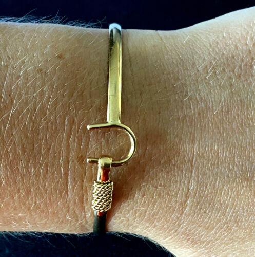 St Croix Caribbean C.R.C. 14K Gold Ladies Bracelet Bangle Wrap Around Near Hook