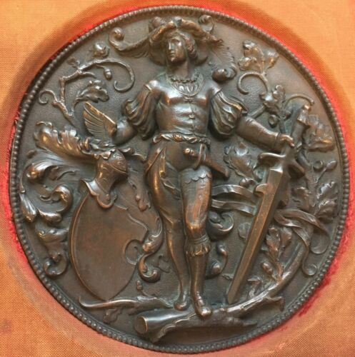 EXCELLENT 19TH CENTURY RAISED RELIEF BRONZE PLAQUE WITH BEAUTIFUL CARVED FRAME !