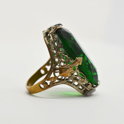 Antique Cocktail Style Ring W Large Green Glass Stone