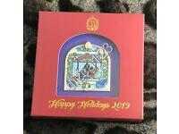 Disney Pin Disneyland Club 33 Logo Christmas Holiday Pin 2018 LE NIB
