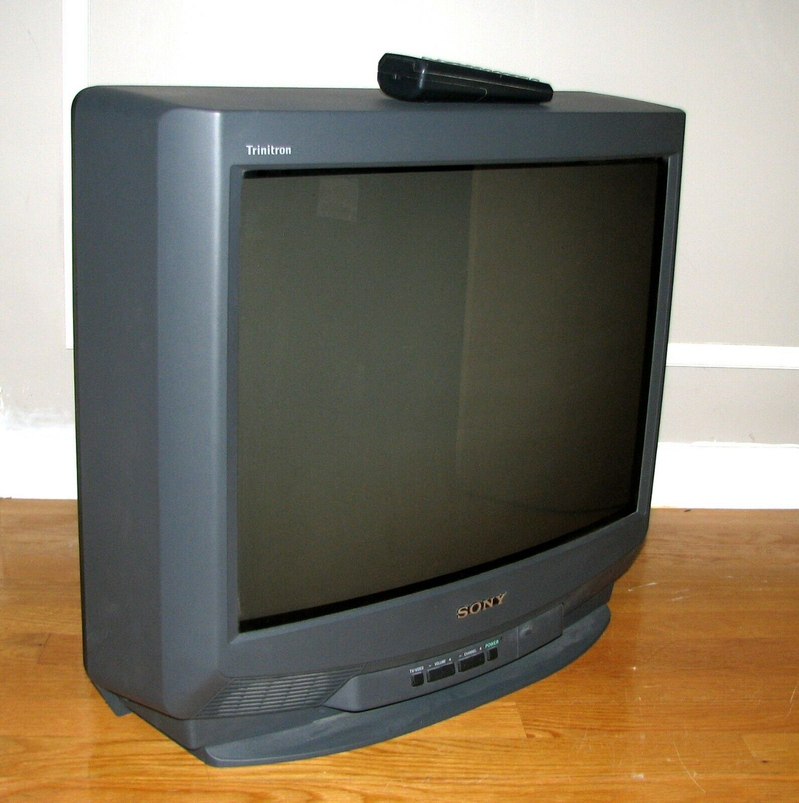 "Sony KV-20M20 20"" CRT TV w/Remote Control Video Gaming Game Retro Television"