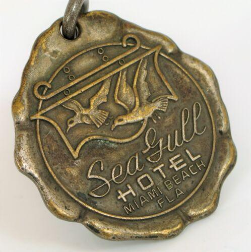 VINTAGE HISTORIC SEAGULL HOTEL MIAMI BEACH FLORIDA ROOM KEY FOB MIMI MOVEMENT !