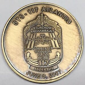 N117-NASA-SPACE-SHUTTLE-COIN-MEDAL-ATLANTIS-STS-117