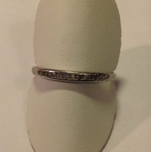 Platinum Vintage Ring With Diamonds Size 9 Weight 2.6 Grams